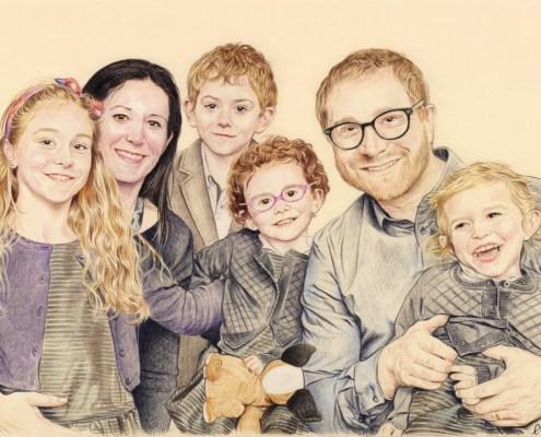 Portrait dessin d'une famille avec quatre enfants