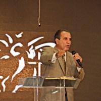Pastor Silas Malafaia ministra em café do COMERJ, no Projeto Vida Nova de Irajá