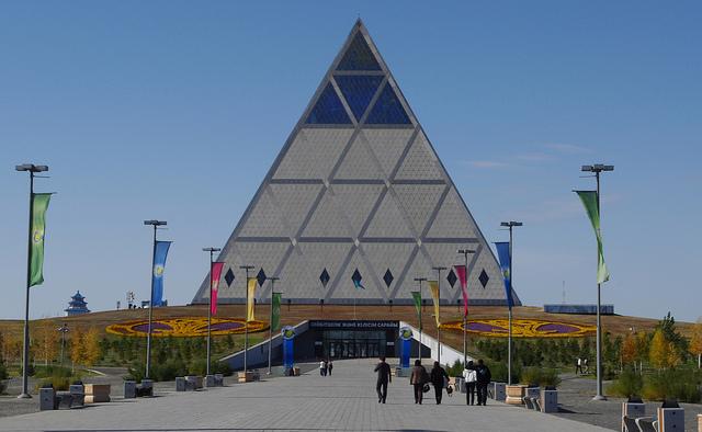 astana-piramide-pace
