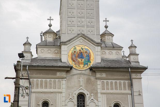 catedrala-sf-treime-din-deva-judetul-hunedoara-imagine-cu-hramul-bisericii.jpg