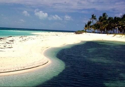 Kepulauan Padaido buat liburan Papua betah