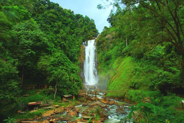 Destinasi Wisata Muara Enim : Air Terjun Napal Carik