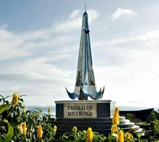 Objek Wisata Pagaralam Tugu Pagaralam Kota Bunga