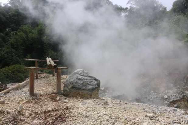 Destinasi Wisata Muara Enim : Air Panas Gemuhak