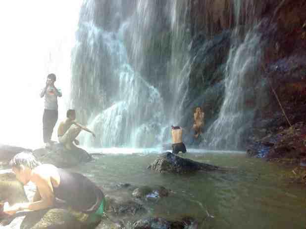Destinasi Wisata Ogan Komering Ulu air terjun pisang
