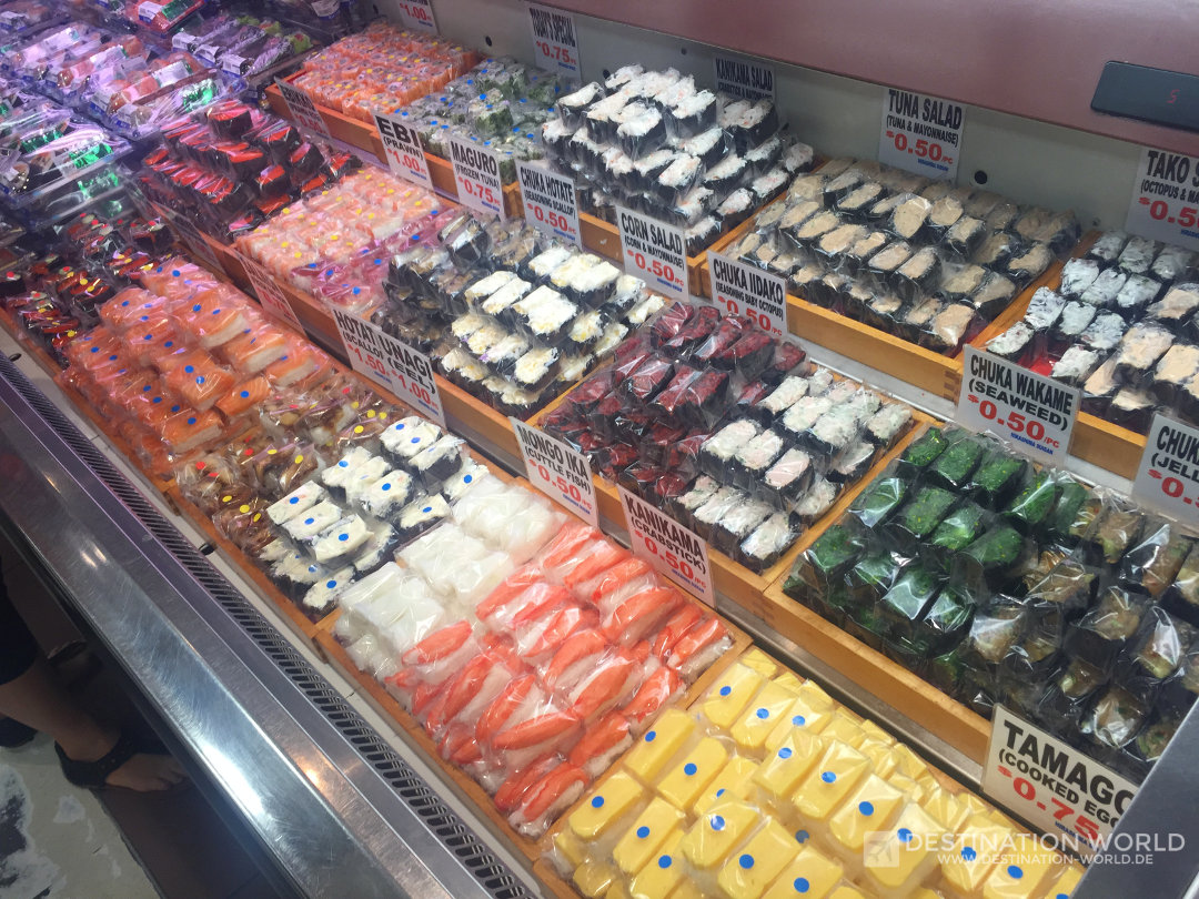 Fisches Sushi im Isetan Supermarket in der Orchard Road