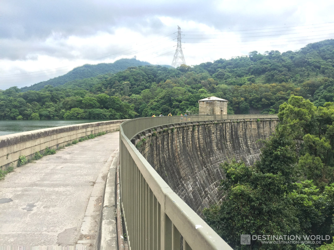 Einer der Staudämme im Kam Shan Country Park