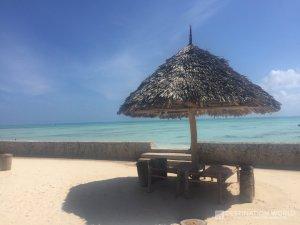 Das Nur Beach Resort liegt direkt an dem Traumstrand von Jambiani