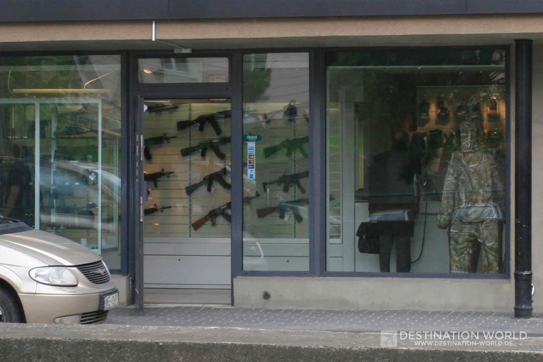 Waffen in einem Geschäft