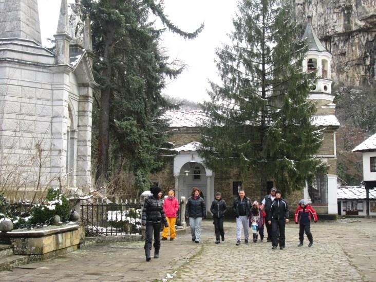 Февруарска разходка край Дряновския манастир