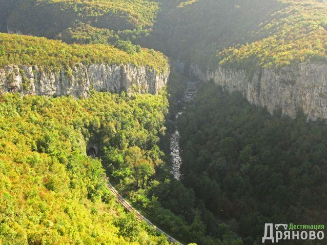 Каньонът на река Дряновска
