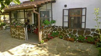 Къща за гости Чардаците