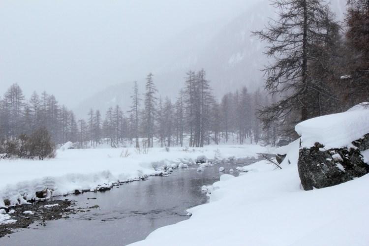 La rivère Clarée un jour de neige