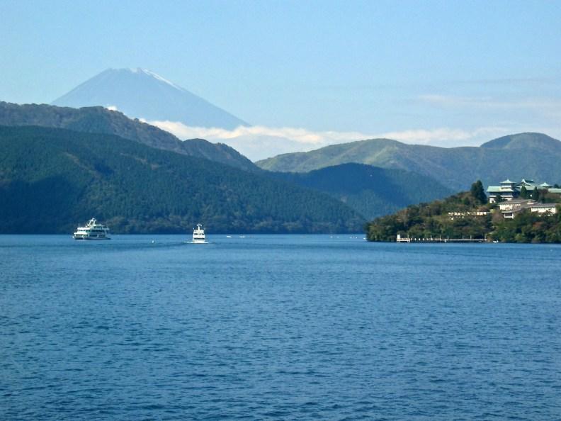 Lake Ashi (芦ノ湖) in early Autumn with Fuji san in the background.