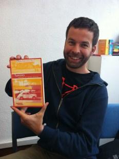 Marco a sélectionné un livre sur la Tunisie car il aime beaucoup les voyages.