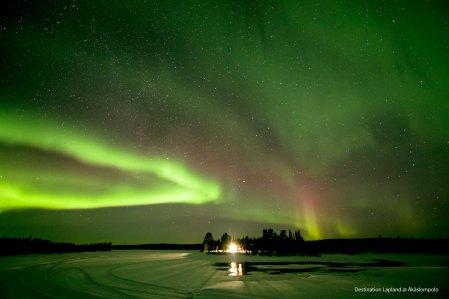 NorthernLights-Lake-20170202