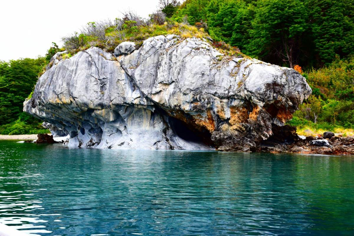 more of the beautiful marble caves from the boat