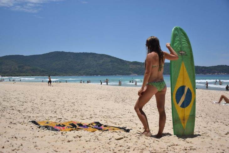 hanging out at lopes mendes beach