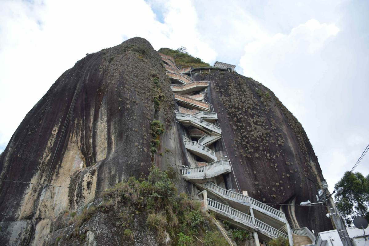 what to do in Guatape? Go to El Penol!