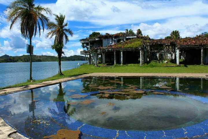 You can do this tour directly from Medellin to Guatape