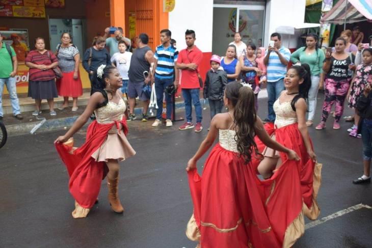 parade in juayua