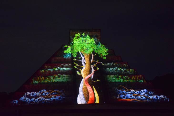 the light show at chichen itza night show