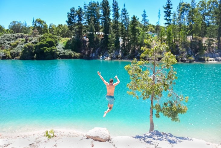 Black diamond lake is the best day trips from Perth