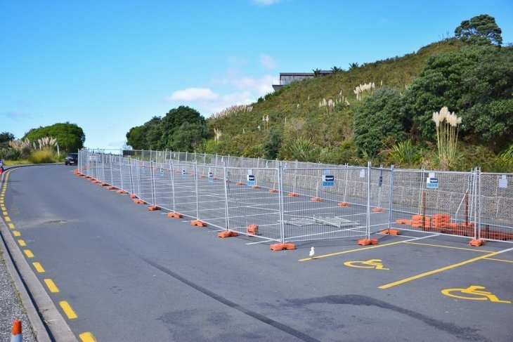 the top car park at cathedral cove was all fenced off