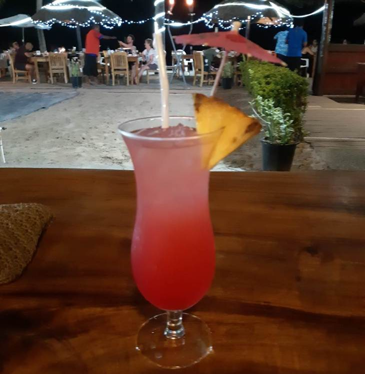 cocktails in fiji