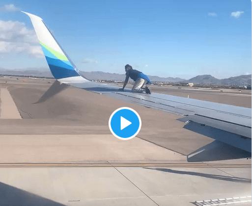 VIDÉO. Un homme escalade l'aile d'un Boeing 737 juste avant le départ