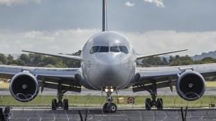 VIDÉO – Triste: un Boeing 747 démembré à coups de pelleteuse