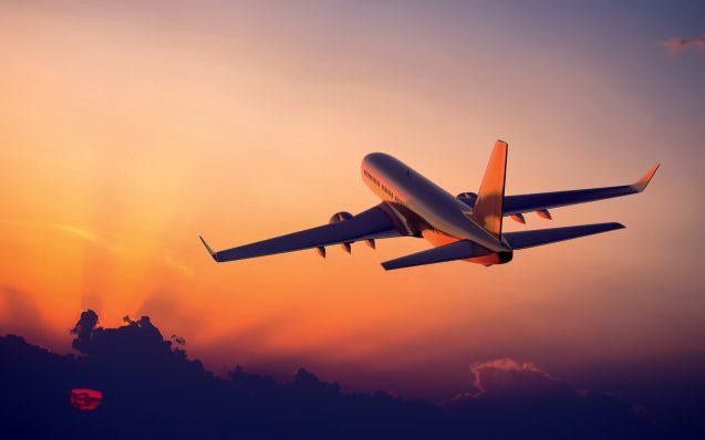 Les billets d'avion à prix cassés bientôt interdits en France ?