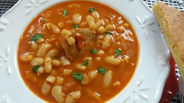 La loubia, la soupe de réconfort de l'Algérie au Liban…