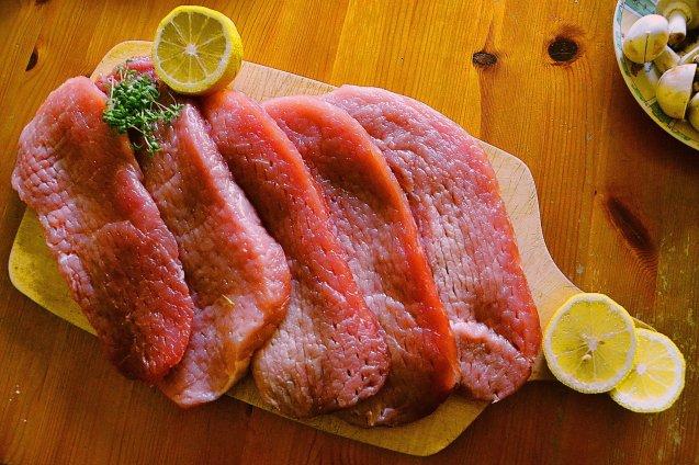 Doit-on laver la viande et le poulet avant la cuisson?