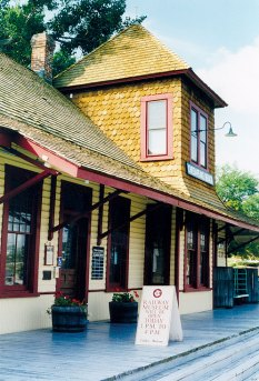 The Chesapeake Beach Railway Museum features collections related to the Chesapeake Beach Railway and the towns and resorts of Chesapeake Beach and North Beach that attracted regional visitors from 1900 to 1935.
