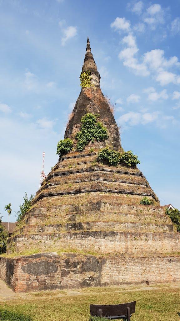 That dam (ou stupa noir)