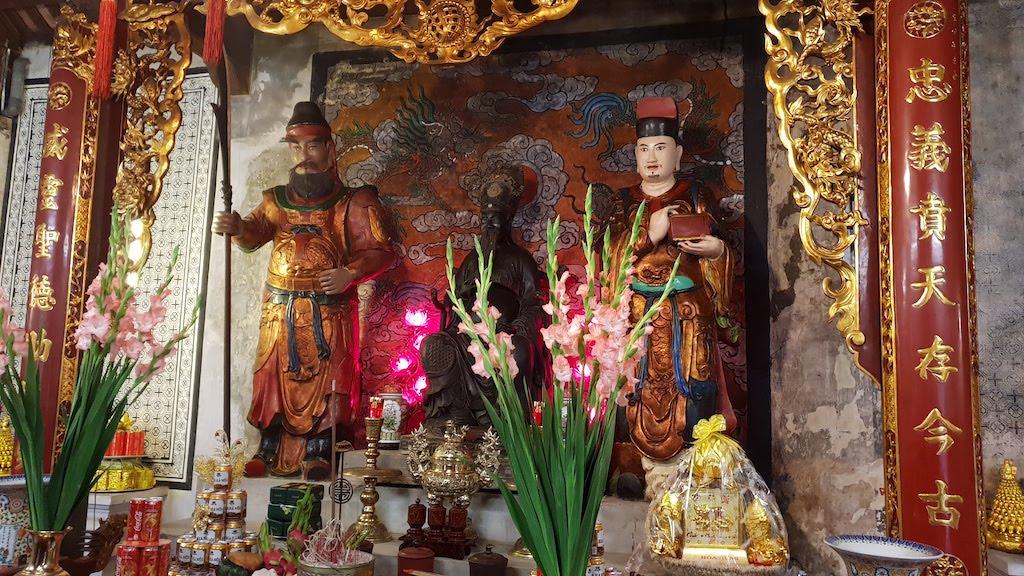 Quan De temple Hanoi