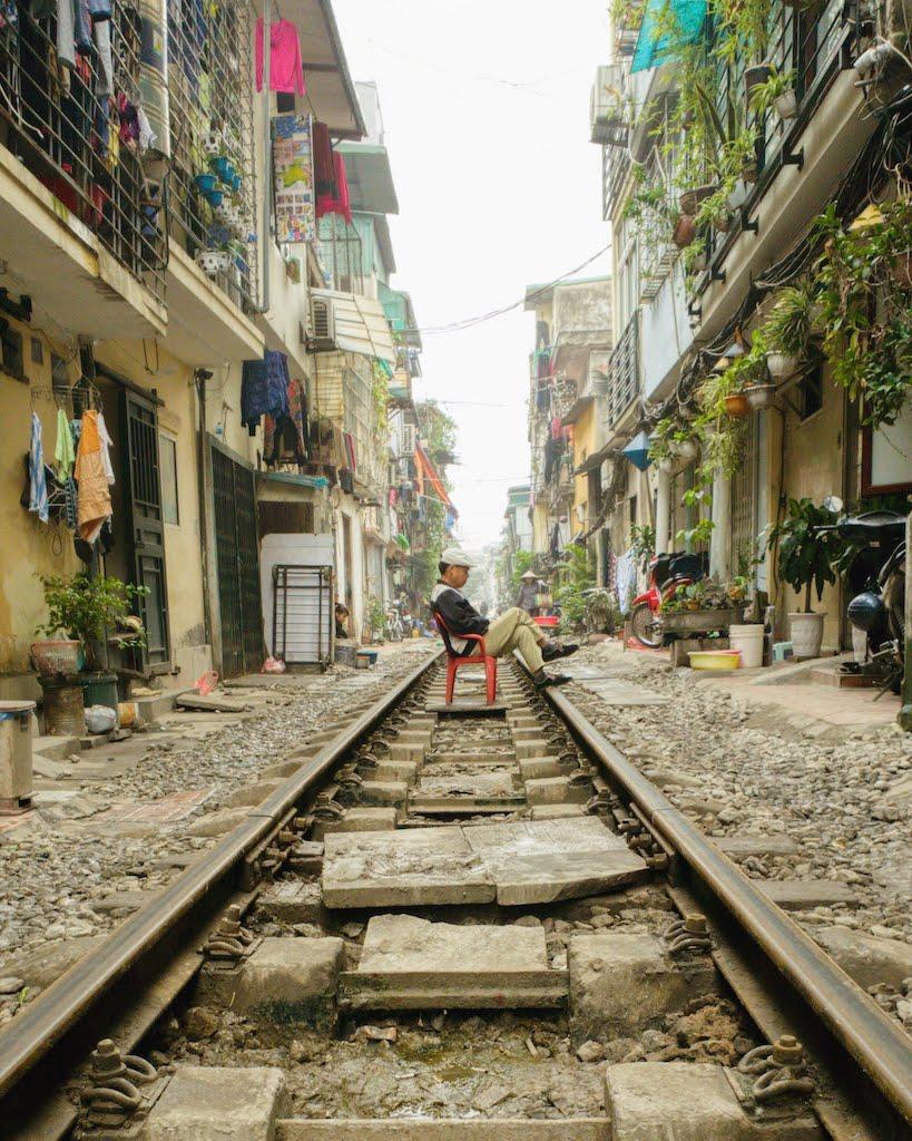 rails rue Tran Phu Hanoi