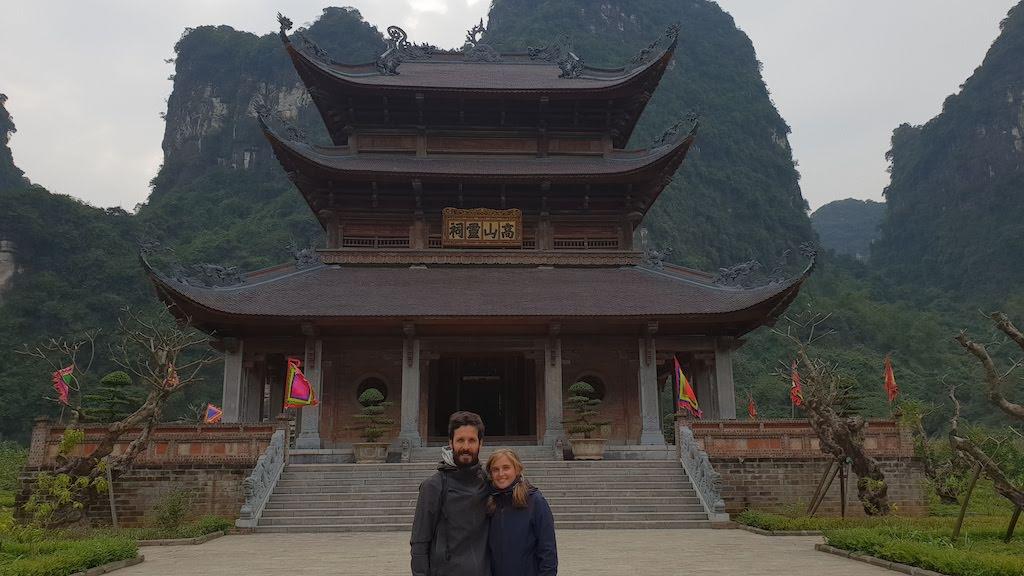 pagode baie d'Ha Long terrestre à Trang An
