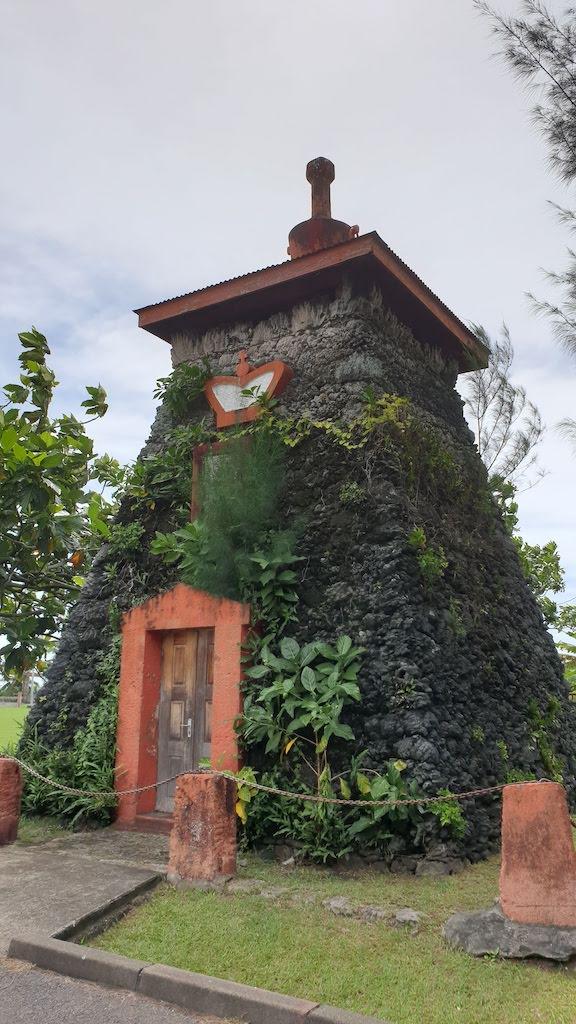 tombeau du roi Pomare V Tahiti