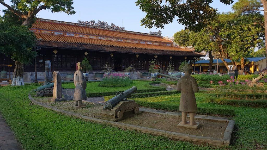 Musée des antiquités royales hué