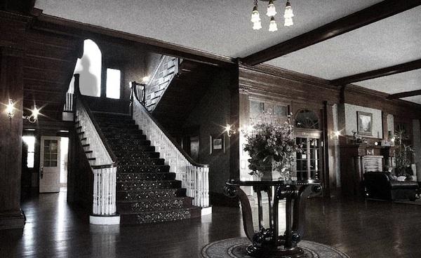4 More Haunted Hotels For Spirited Destination Weddings