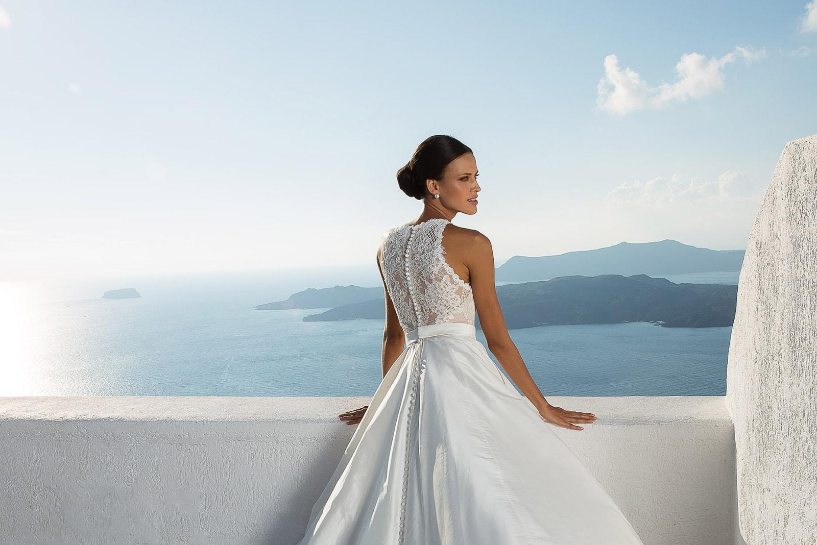 Stunning 2018 Destination Wedding Dresses By Justin