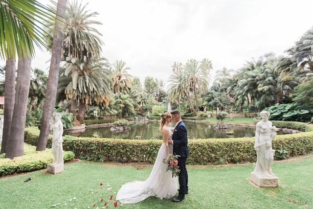 Mariage élégant au jardin botanique