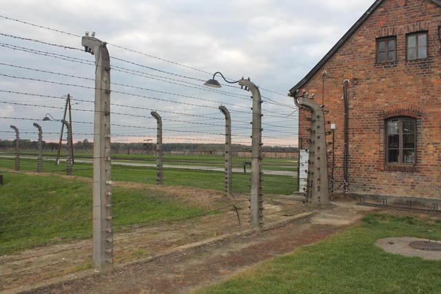 Como ir de Cracovia a Auschwitz