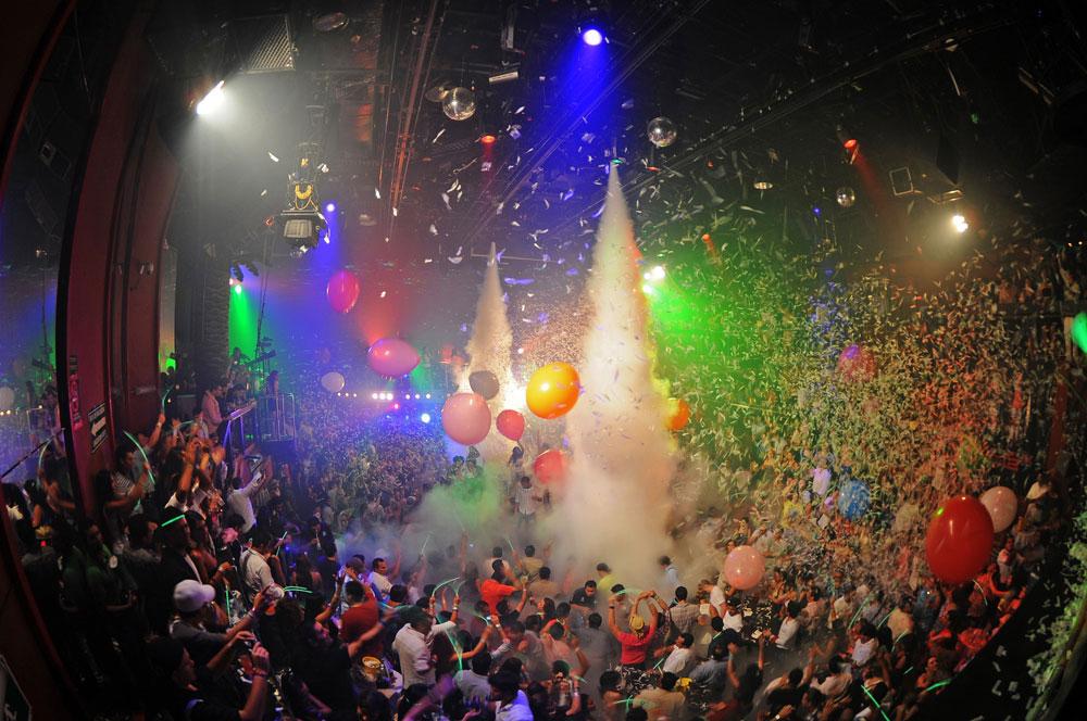 Momento de fiesta en el Coco Bongo Show & Disco