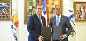 Minister of Tourism, Francisco Javier García, and Director of OPTIC, Armando García. (Source: External.)