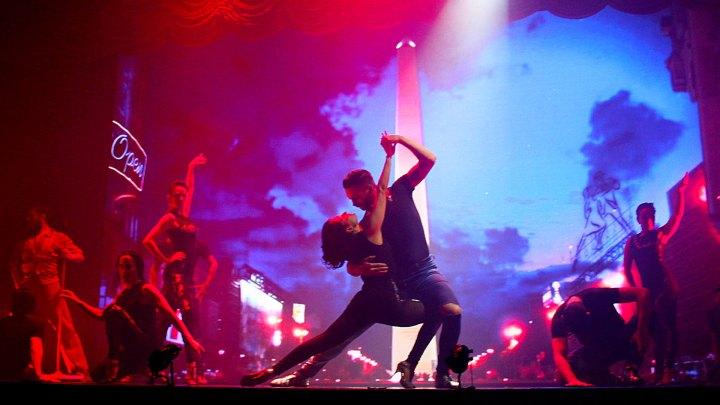 """Baile frente al Obelisco de """"Magia!"""", el espectáculo de Madero Tango"""