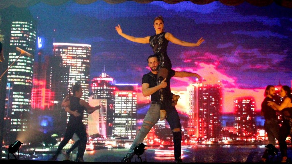 """Baile de tango electrónico en la ciudad de """"Magia!"""", el espectáculo de Madero Tango"""