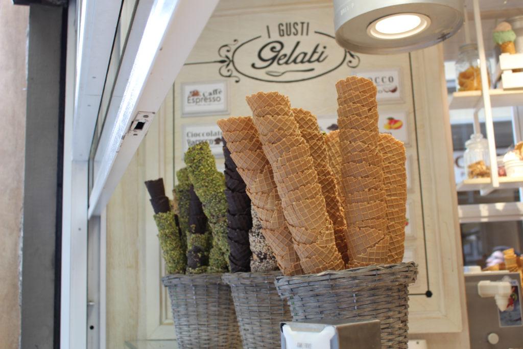 Variedad de conos de helado en Don Nino